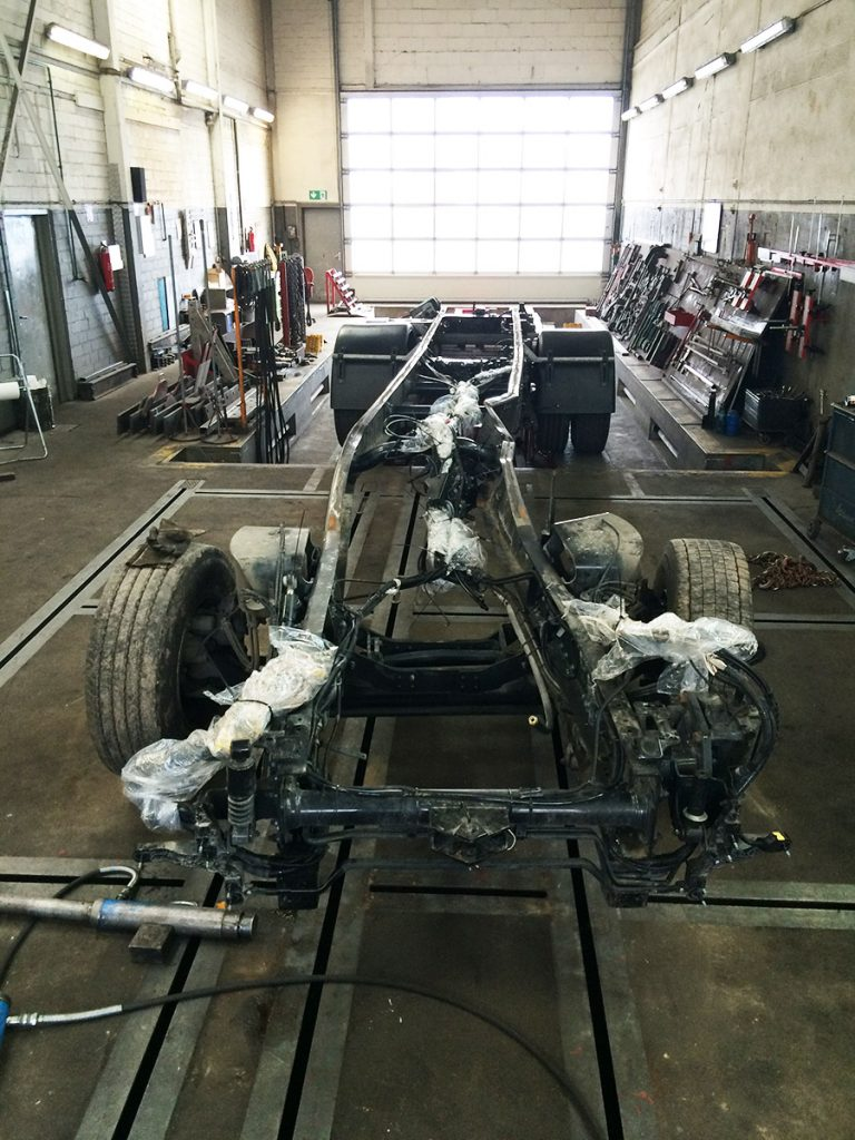 Richten Fahrgestell: Der demolierte Zustand