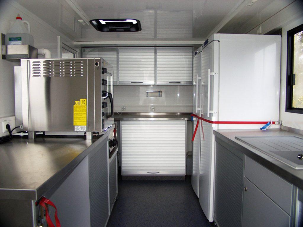 Kompletteinbau der Küche