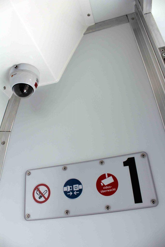 Kameraüberwachung in jeder Zelle
