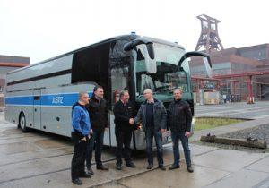 Übergabe Gefangenentransportbus
