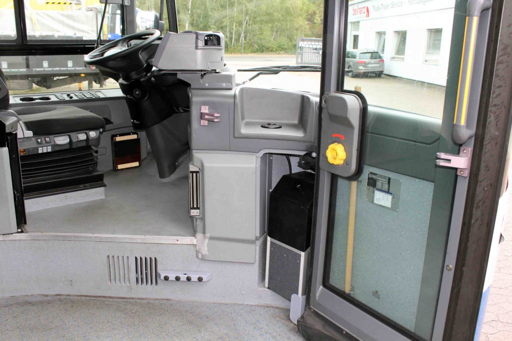 Als Fahrschulwagen im ausgebauten Zustand nicht erkennbar
